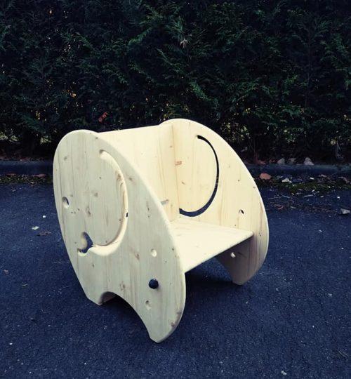 fauteuil en bois pour enfant en forme d'éléphant et à assise évolutive