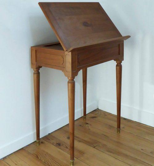 reproduction d'une table à écrire de JF Leleu